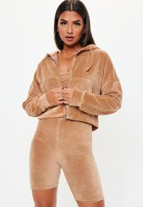 https://www.missguided.eu/camel-velour-zip-through-hoodie-10112665